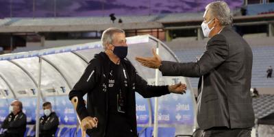 Tabárez no sabe qué pasará con las eliminatorias por aumento de la covid-19