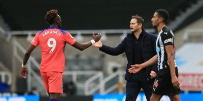 El Chelsea vuelve del parón con victoria y liderato