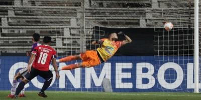 Fénix goleado por Independiente