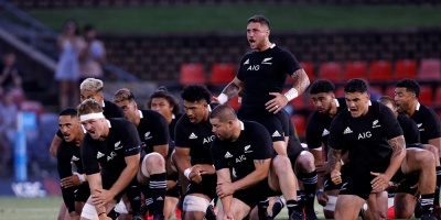 Los All Blacks dedican el haka a Maradona