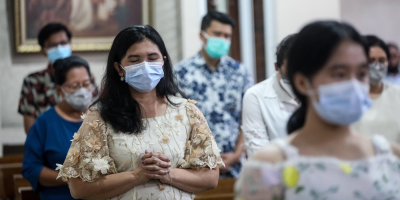 Indonesia sufre el día con más muertos con covid-19 a espera de la vacunación