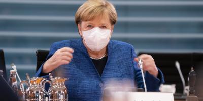Merkel responsabiliza a Trump de crear atmósfera propicia a eventos violentos