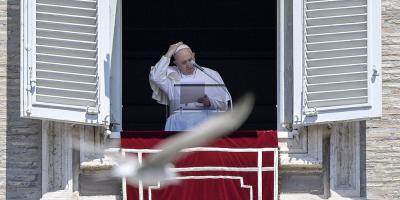 El papa pidió unidad a la clase política ante la crisis y condenó el aborto