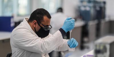 OMS descarta que este año se logre alcanzar la inmunidad de rebaño a pesar de que varios países ya están vacunando contra la COVID-19