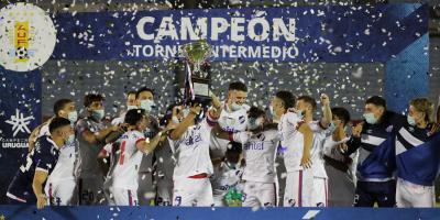 Nacional derrotó a Wanderers y se consagró campeón del Torneo Intermedio
