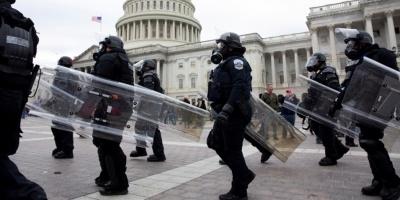 FBI investiga a 37 personas por la muerte del policía en asalto al Capitolio