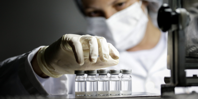 Brasil autorizó el uso por emergencia de vacunas china y de Astrazeneca