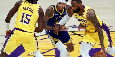 NBA: Curry se impone a James y los Warriors sorprenden a los Lakers