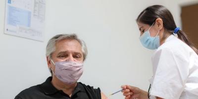 El presidente argentino recibe la primera dosis de la vacuna Sputnik V