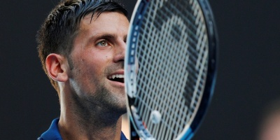 Djokovic se estrena con victoria ante Shapovalov e iguala ante Canadá