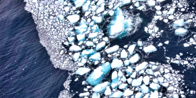 Iceberg gigante que amenazaba las islas Georgia del Sur se rompe en pedazos