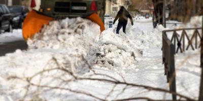 Una mujer de 77 años sobrevive en EEUU encerrada cuatro días en su vehículo por la nieve