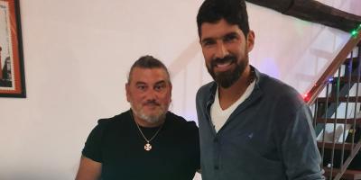 A los 44 años 'el Loco' Abreu sigue firmando contratos para reforzar equipos