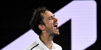 Medvedev frena en seco a Tsitsipas y se enfrentará a Djokovic en la final