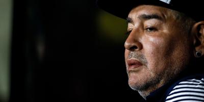 """Ex esposa de Maradona dice que estaba """"secuestrado"""" por su abogado"""