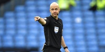 El inglés Taylor arbitrará el PSG-Barcelona