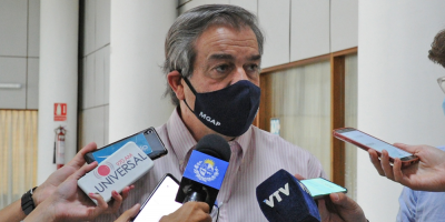 Gobierno y gremiales comienzan tratamiento para erradicar mosca de la bichera