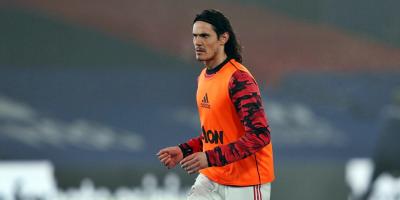 El Manchester United no ha decidido aún qué hacer con Cavani
