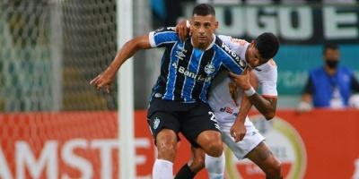 Gremio golea al Ayacucho con triplete de Diego Souza
