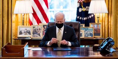Biden anuncia plan de empleo billonario a financiar con suba de impuestos