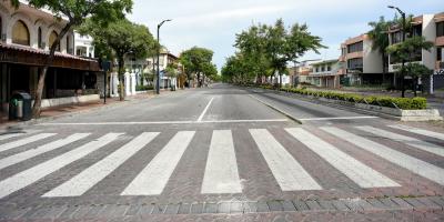 Restringen la circulación de vehículos en Guayaquil para contener la covid-19