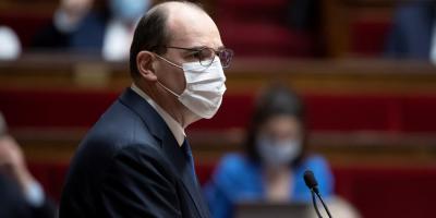 El confinamiento atenuado de Francia prohíbe beber alcohol en la calle