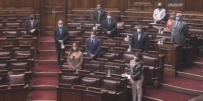 Realizaron un minuto de silencio en el Senado por las víctimas de la Covid-19