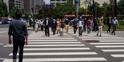 Corea del Sur registra máximo de casos en tres meses y retrasa vacunaciones