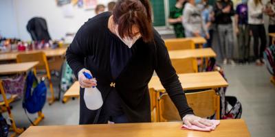 La República Checa levanta el estado de emergencia y el confinamiento