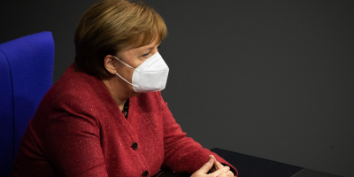 """Merkel: la pandemia no acabará """"hasta que se ofrezca vacuna"""" a todo el mundo"""