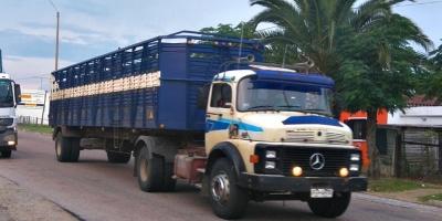 Transportistas de carga continúan bloqueando puentes fronterizos con Argentina