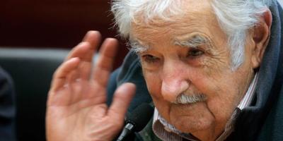 """José Mujica: """"La vacuna camina, pero el contagio es más rápido"""""""