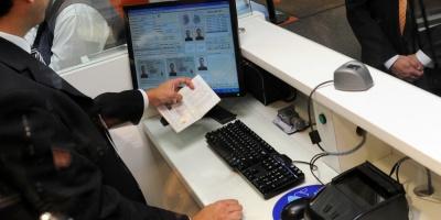 El Gobierno trabaja en implementación de pasaporte sanitario
