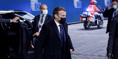 """Macron pide """"acelerar"""" la aplicación de los Acuerdos de París"""