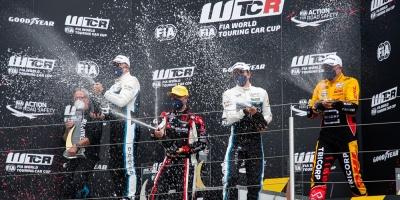 Buen arranque de Santiago Urrutia en Campeonato Mundial FIA WTCR