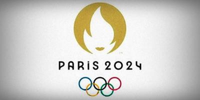 La Torre Eiffel enarbola una bandera como preparación a los Juegos de 2024