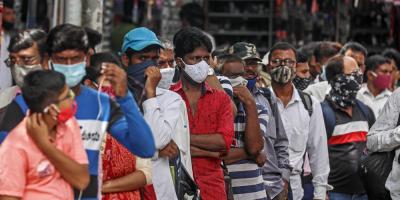 La India registra la mayor bajada de casos desde abril con 70.000 contagios