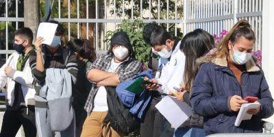"""Científicos bolivianos detectan en La Paz la variante """"andina"""" de covid-19"""