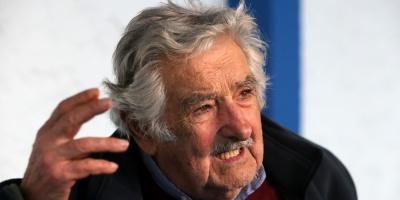 """Mujica acusó al gobierno de """"generar una grieta"""" política"""
