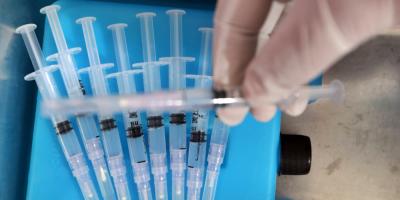 Autoridades solicitaron a expertos evaluación sobre tercera dosis anticovid
