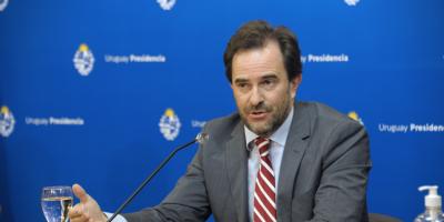 """Gobierno analiza implementar el """"turismo de vacunas"""" a partir de setiembre"""
