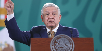 Presidente de México pide no exagerar con medidas autoritarias en tercera ola