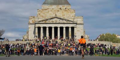 Una decena de detenidos en tercer día de protestas antivacunas en Melbourne