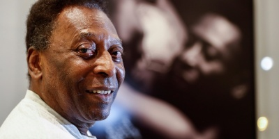 """Pelé, animado desde el hospital: """"Pedaleando así, pronto vuelvo al Santos"""""""