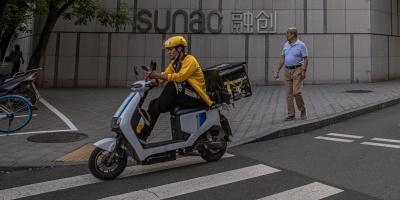 Robots de entregas amenazan trabajo de millones de repartidores en China