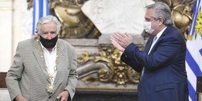 """Mujica condecorado en Argentina por """"conducta ejemplar durante su vida pública"""""""